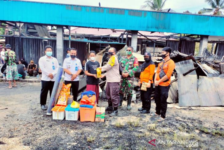 BPBD Kabupaten PPU serahkan bantuan logistik kepada korban kebakaran