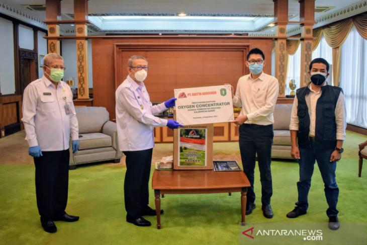 Gubernur Kalbar terima bantuan konsentrator oksigen dari perusahaan sawit