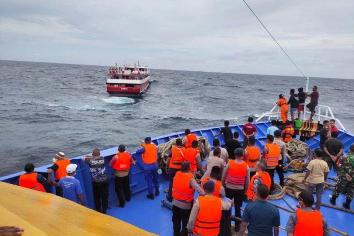 293 penumpang KM Simba 1 yang patah kemudi di perairan Kepsul berhasil diselamatkan syukurlah