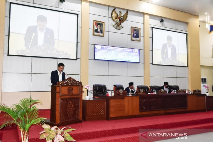 Bupati Saidi Mansyur sampaikan raperda APBD 2022