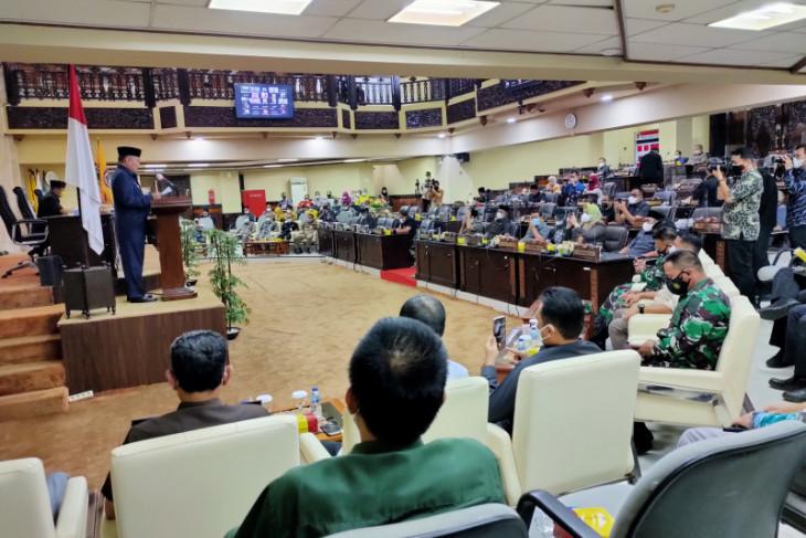 Gubernur Kalsel sampaikan nota keuangan/RAPBD-P 2021