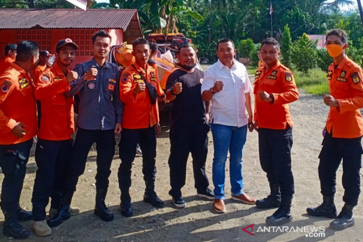 Relawan dan BPBD HST kumpulkan donasi serta kirim anggota bantu korban banjir di Kalteng
