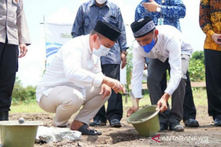 Walikota Pangkalpinang lakukan peletakan batu pertama pembangunan Masjid Baitur Rahman