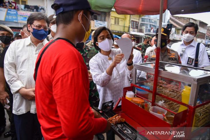 Pemerintah salurkan bantuan tunai kepada PKL di Medan
