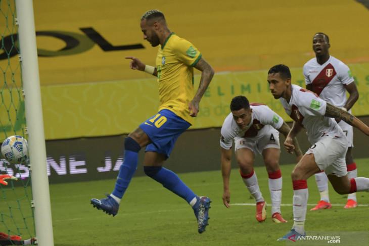 Brazil sukses pertahankan catatan sempurna usai taklukan Peru 2-0