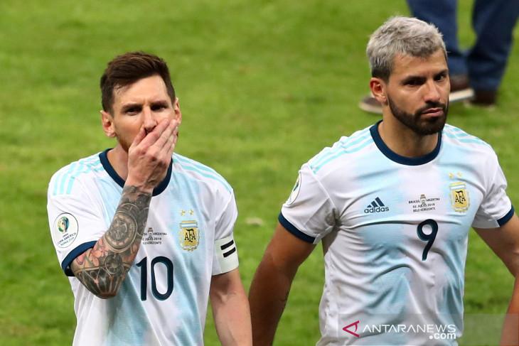 Aguero  tidak menyesal gabung Barcelona meski ditinggal Messi