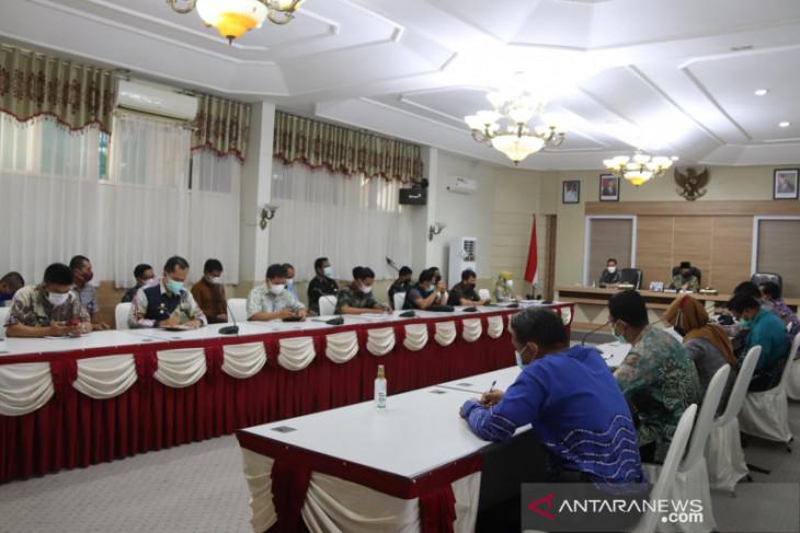 Penerima bansos APBD dan desa di HSS wajib divaksin