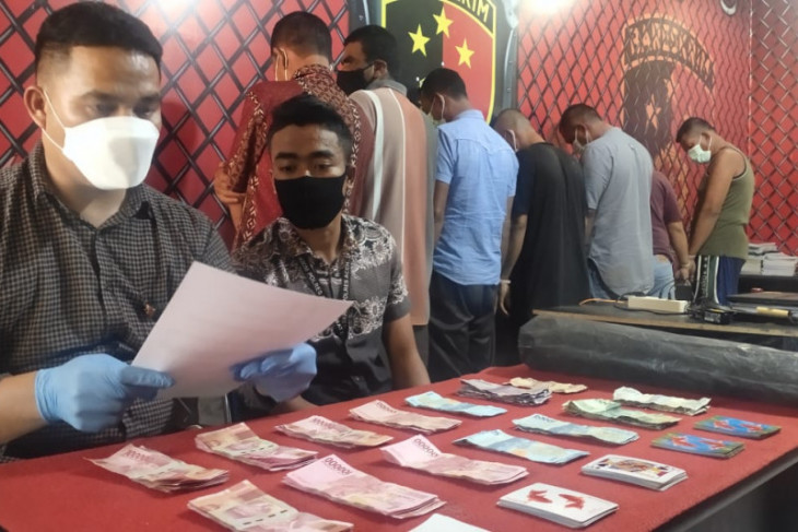 Main judi, polisi tangkap oknum Komisioner KIP Abdya