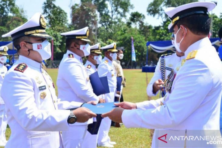 Kasal sematkan predikat teladan se Indonesia ke TNI AL Lanal TBA