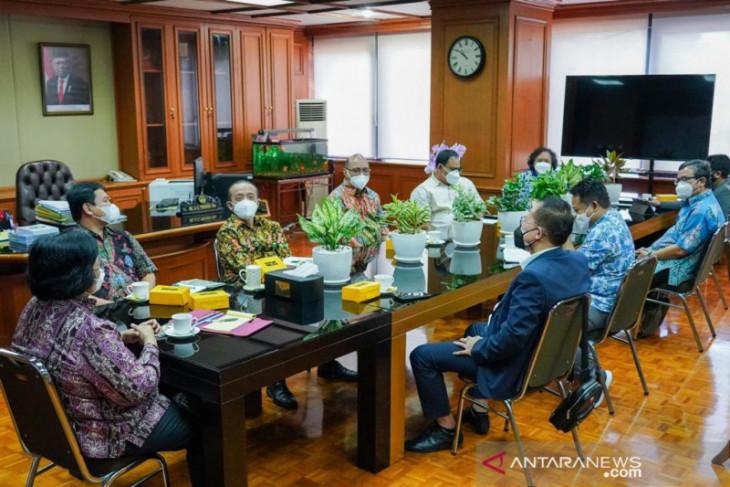Menteri LHK mengajak PWI  gaungkan isu kepedulian lingkungan di HPN