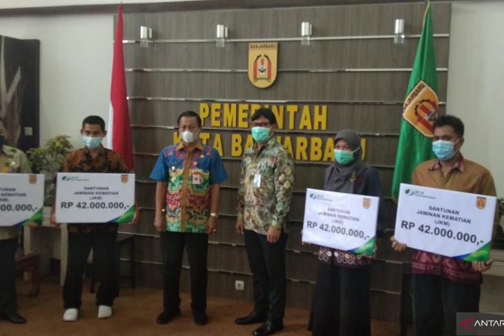 BPJS Ketenagakerjaan Banjarmasin serahkan santunan ke ahli waris non ASN Pemkot Banjarbaru