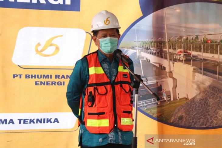 Bupati Tapin secara simbolis mulai pembangunan underpass milik PT BRE
