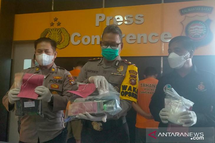 Polres Singkawang bekuk empat pengedar narkoba