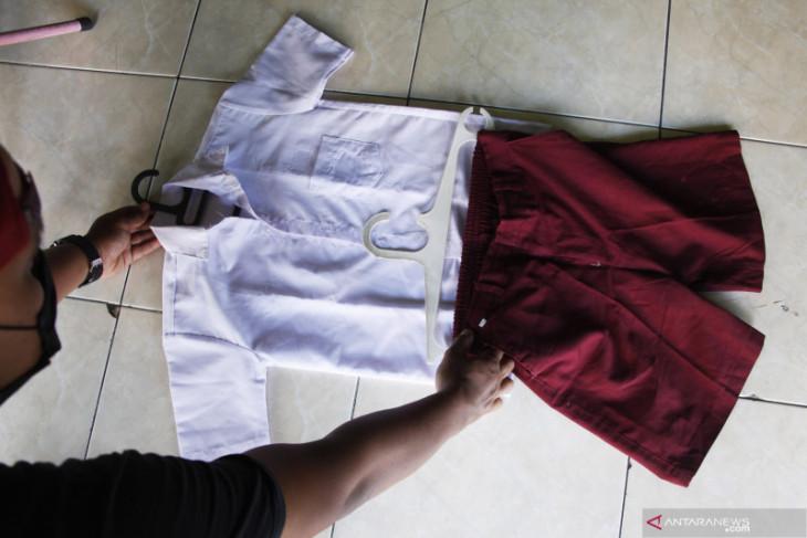 Jangan paksakan siswa membeli seragam sekolah