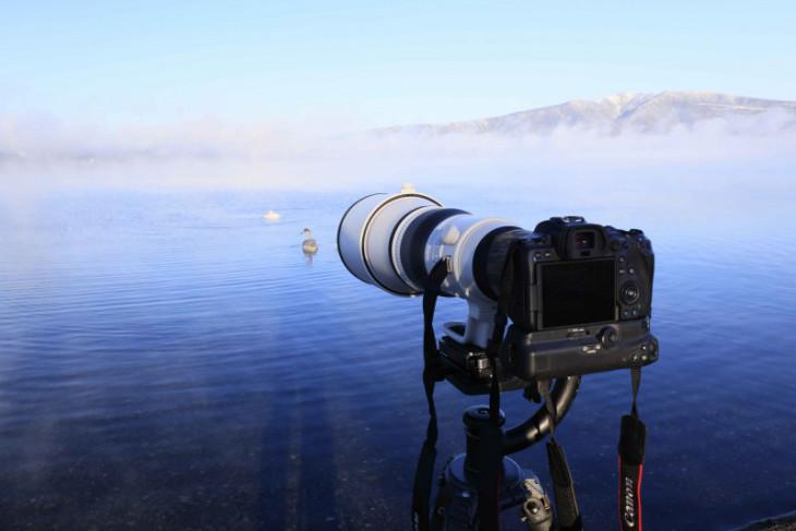 Canon meluncurkan lensa telefoto super untuk seri EOS R