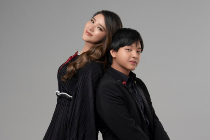 Duet Arsy Widianto dan Tiara Andiri di lagu