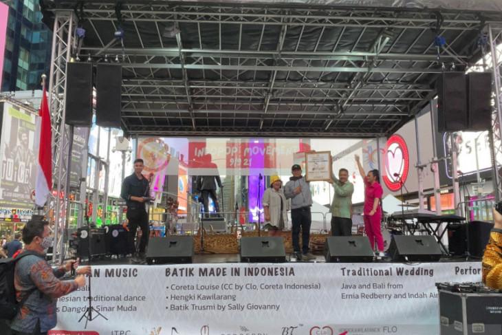 Mengunjungi Kafe Dangdut diaspora Indonesia di Kota New York