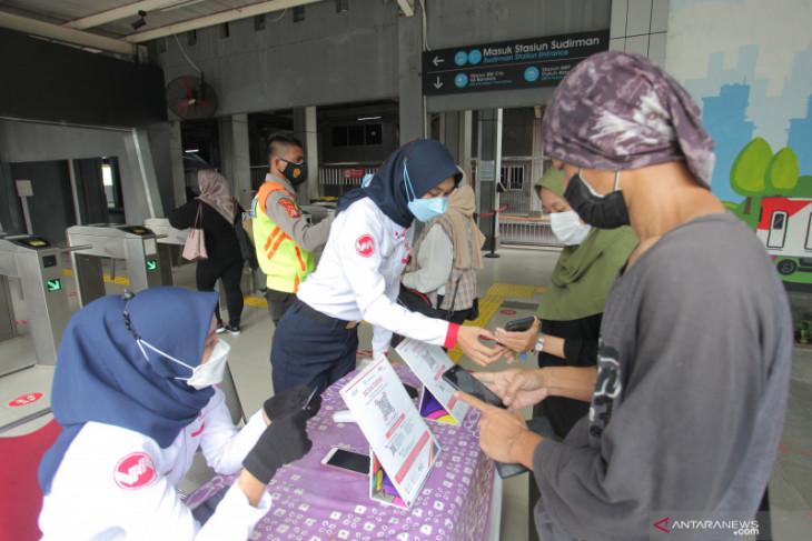 KAI Group pastikan  seluruh pelanggan kereta api wajib vaksin