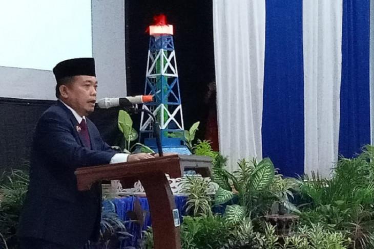 Gubernur Al Haris dan pensiunan RRI Jambi 'reunian' di Hari Radio
