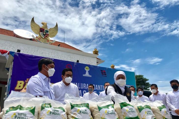Melalui Pemprov, HIPMI Jatim salurkan 25 ton beras untuk warga terdampak pandemi