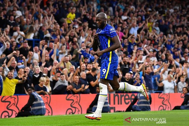 Chelsea gulung Aston Villa