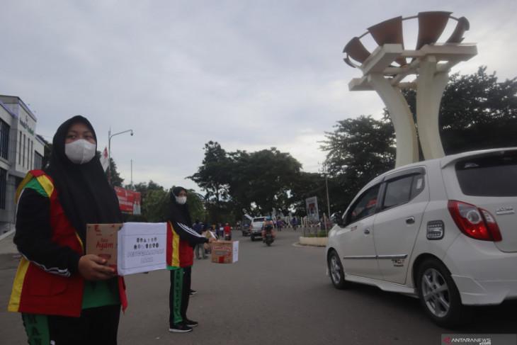 Puluhan kaum terpelajar di Tapin galang dana untuk korban banjir di Kalteng
