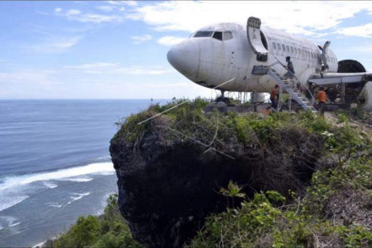Pembangunan fasilitas wisata bernuansa pesawat