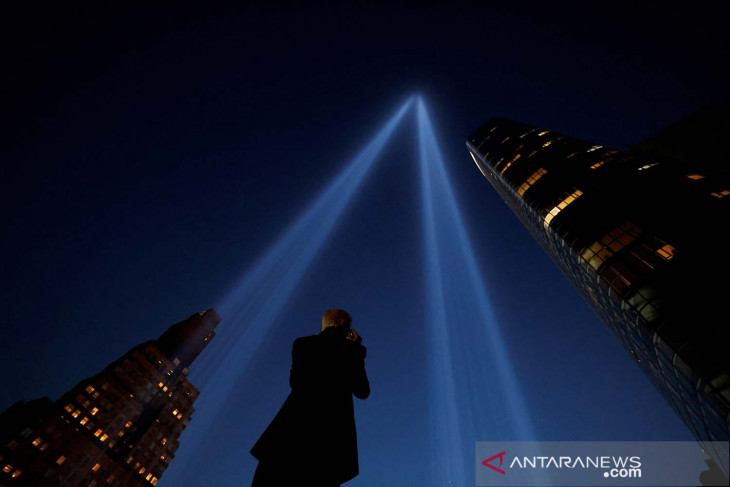 Seperti api abadi, Orang Amerika heningkan cipta peringati 11 September