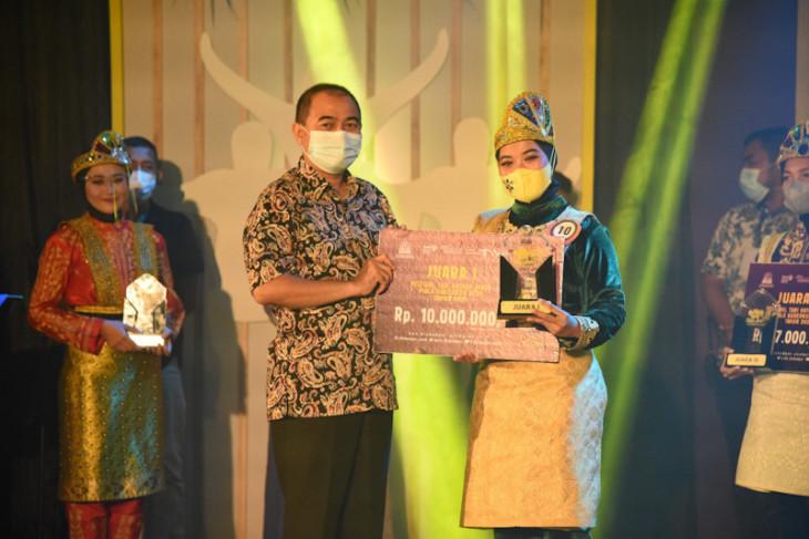 Sabang Juara Festival Ratoh Jaroe Piala Gubernur Aceh