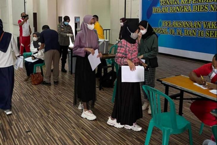 Polwan Gorontalo buka gerai vaksinasi di Kampus UNG