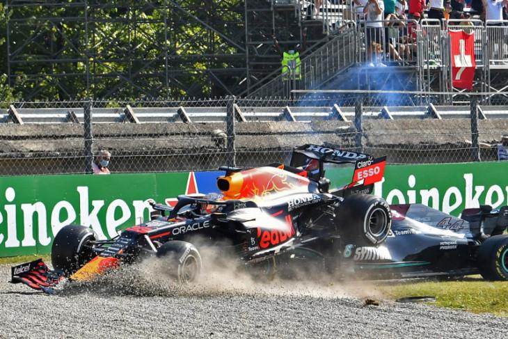 Verstappen dan Hamilton bertabrakan, tersingkir dari GP Italia