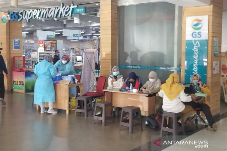 Kota Bekasi buka gerai pelayanan vaksinasi COVID-19 di belasan pusat perbelanjaan