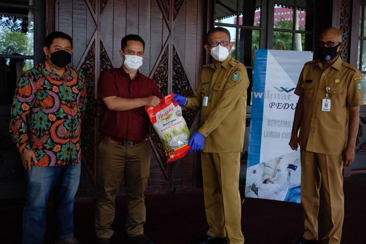 Sutarmidji apresiasi bantuan sembako dari perusahaan perkebunan