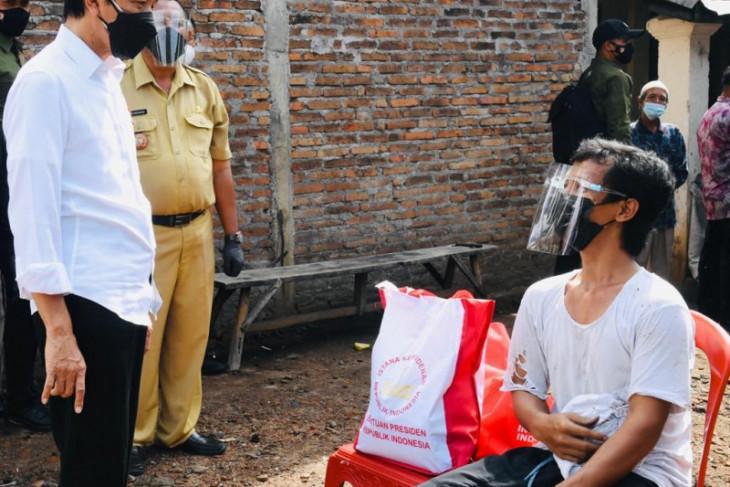 Presiden Joko Widodo bertemu warga Klaten bernama Joko Widodo