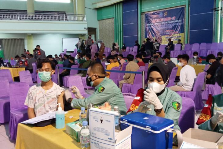 Jelang kuliah tatap muka UIN Sulthan Thaha Jambi vaksinasi mahasiswa