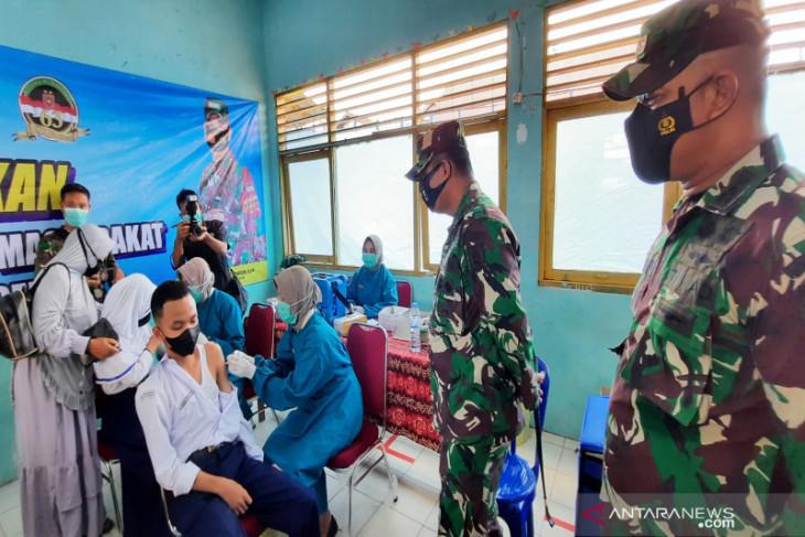 Vaksinasi Kodim 1006 suntik 12.000 warga di Banjarbaru dan Banjar
