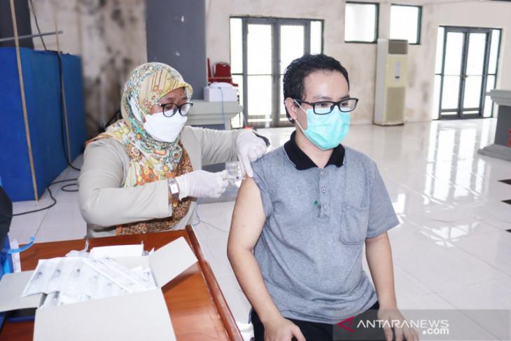 PMI Maluku-ICRC target 750 orang divaksin di Unpatti Ambon perangi COVID -19