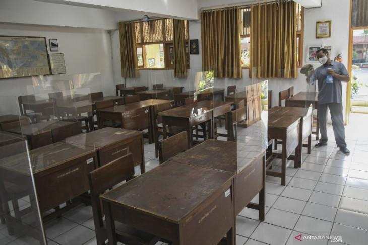 Klaster COVID-19 sekolah hingga persiapan banjir