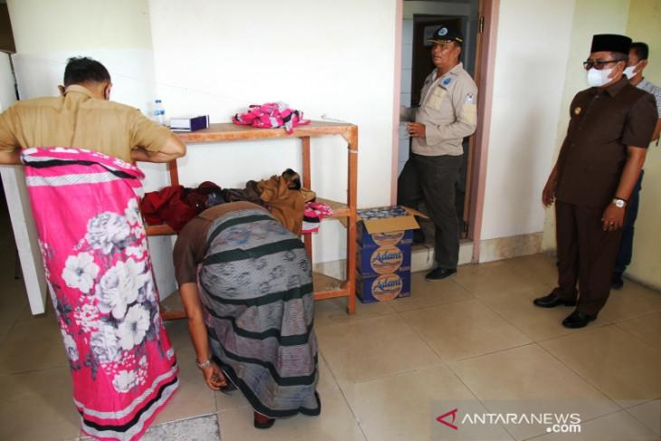 Bupati Aceh Barat pimpin pemeriksaan urine ratusan personel BPBD, sejumlah pegawai panik