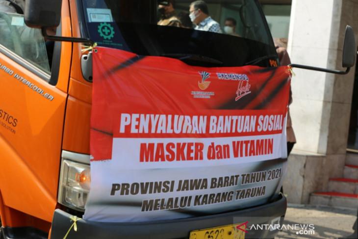 Kemensos bagikan 200.660 paket masker dan vitamin ke warga  tidak mampu