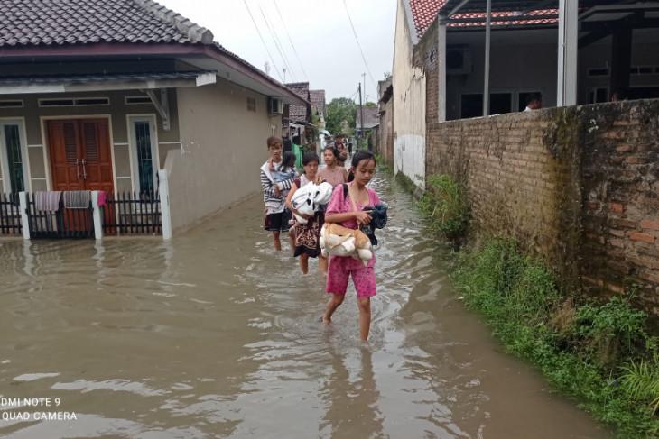 Korban banjir di Rangkasbitung, Lebak mulai mengungsi