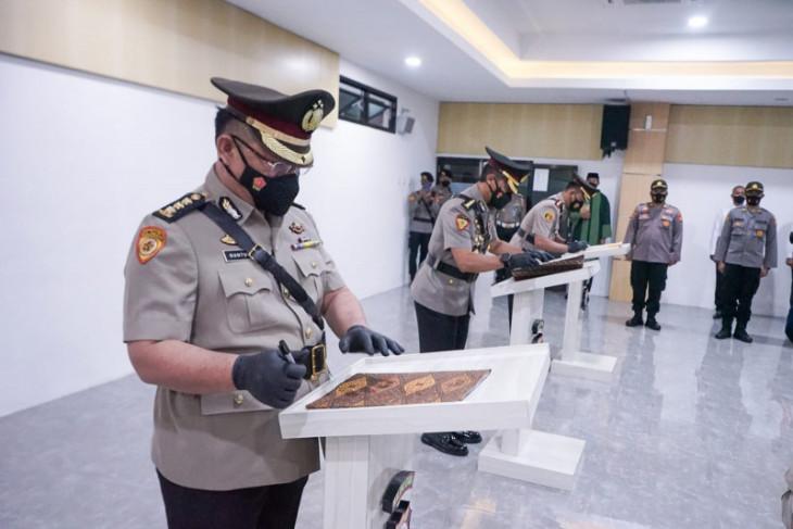 Kapolda Malut pimpin serah terima jabatan dua pejabat utama sukses berkarier