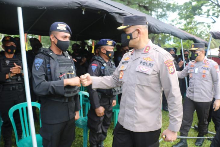 Kapolda Maluku bekali personel Brimob yang dikirim amankan PON Papua emban kepercayaan negara