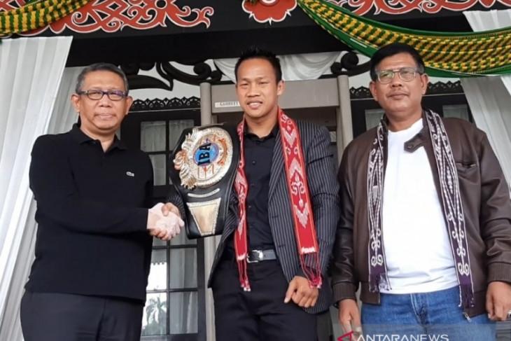 Daud Yordan siap naik ring lawan petinju Thailand Oktober mendatang