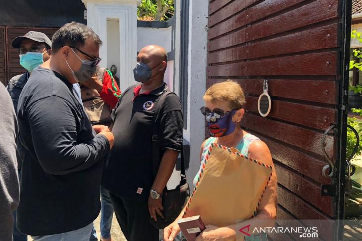 Tim gabungan awasi dan mendata warga asing di Bali (video)