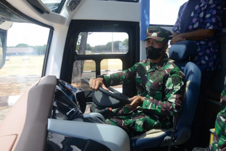AAL terima tujuh kendaraan dinas baru dari Mabesal