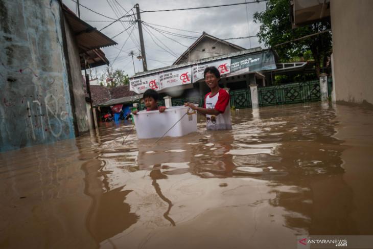 Warga korban banjir di Lebak Banten butuh bantuan
