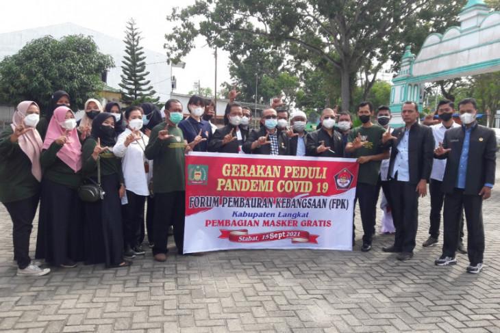 Pengurus FPK Langkat bagikan 1.500 masker gratis
