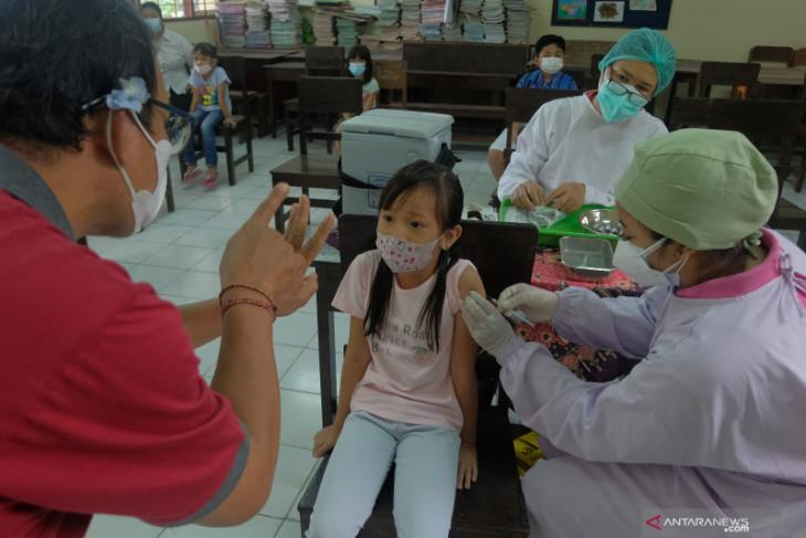 Dinkes Denpasar adakan imunisasi campak rubella bagi 12.483 siswa SD