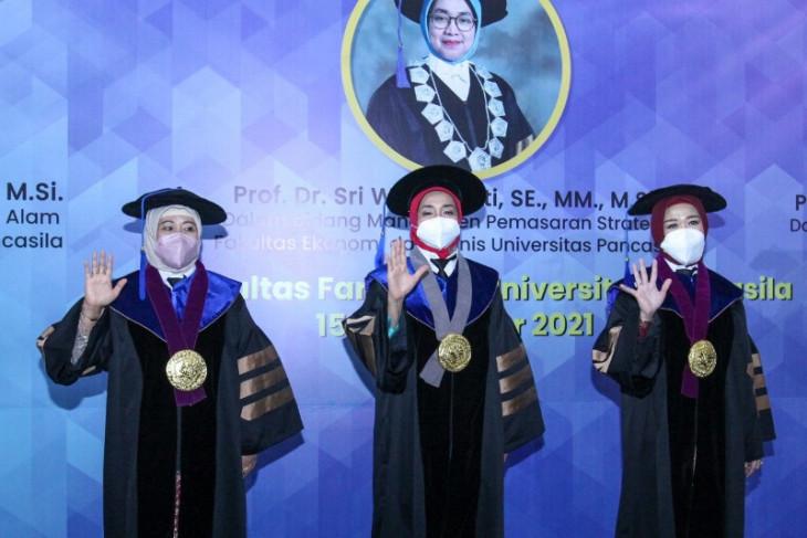 Universitas Pancasila kukuhkan tiga guru besar sekaligus